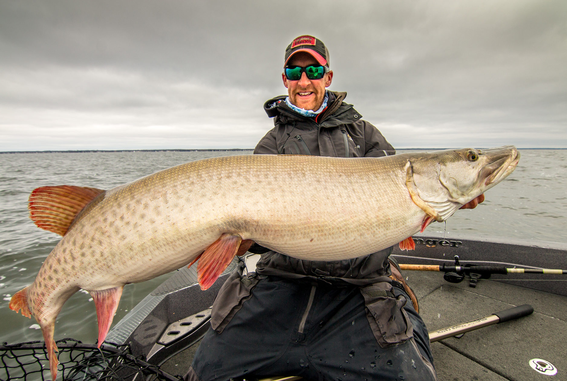 Best Mille Lacs muskie guide fall fishing